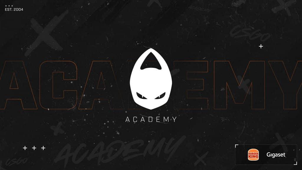x6tence La Academia